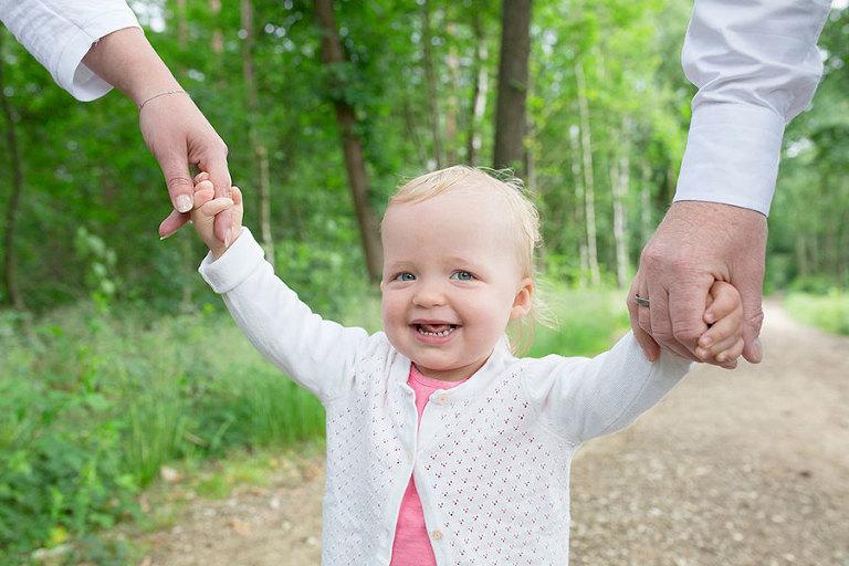 familie-fotoshoot-lage-vuursche-bossen-Nicole-Langen-Fotografie-2