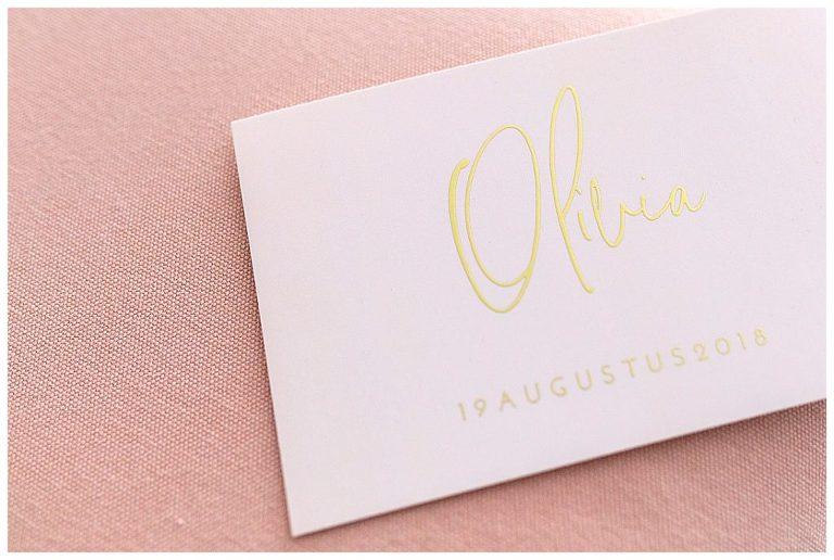 Roze geboortekaartje van een meisje met de naam Olivia